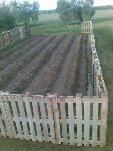 Building a Wood Pallet Fence Project - No Disassembling Needed